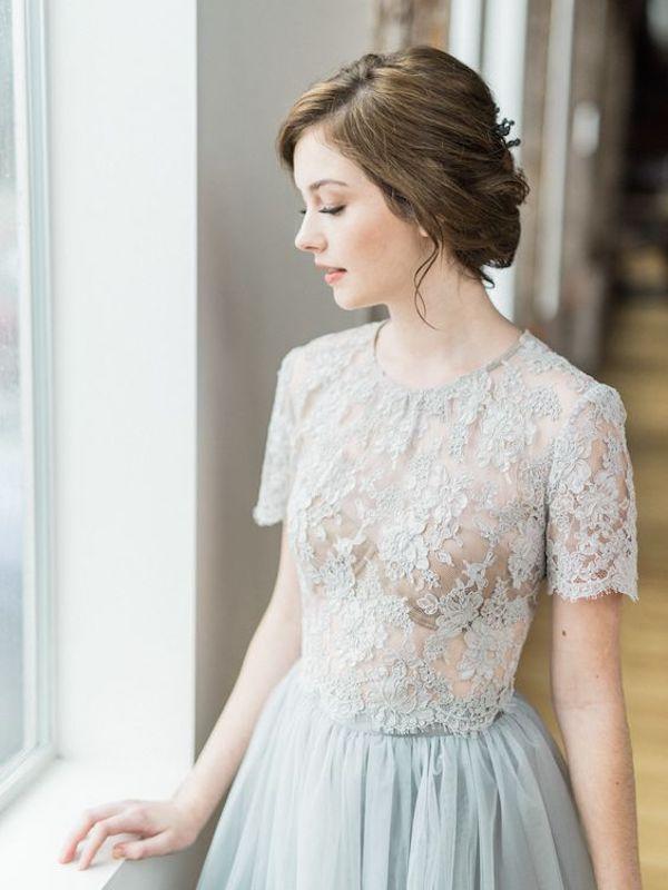 vestido de novia con top corto azul claro