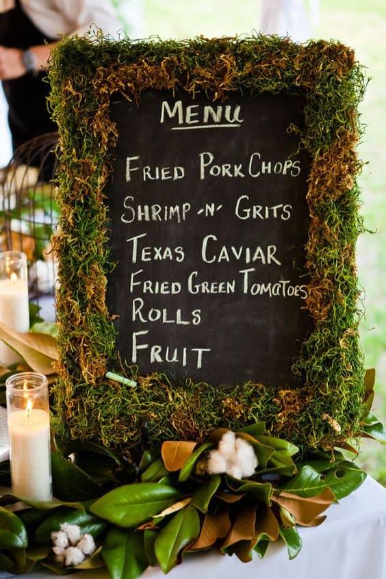rústico-musgo-boda-letrero-decoración-ideas-min