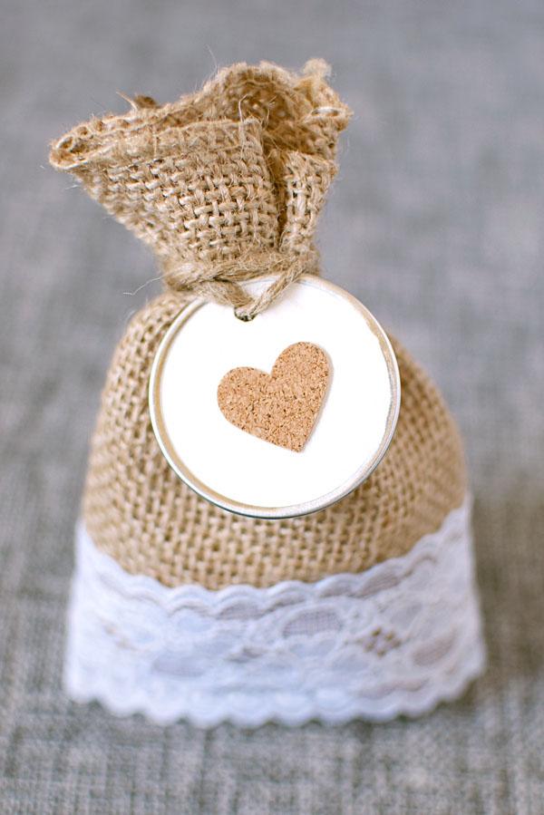 Paquete de regalo de boda de yute y encaje de bricolaje