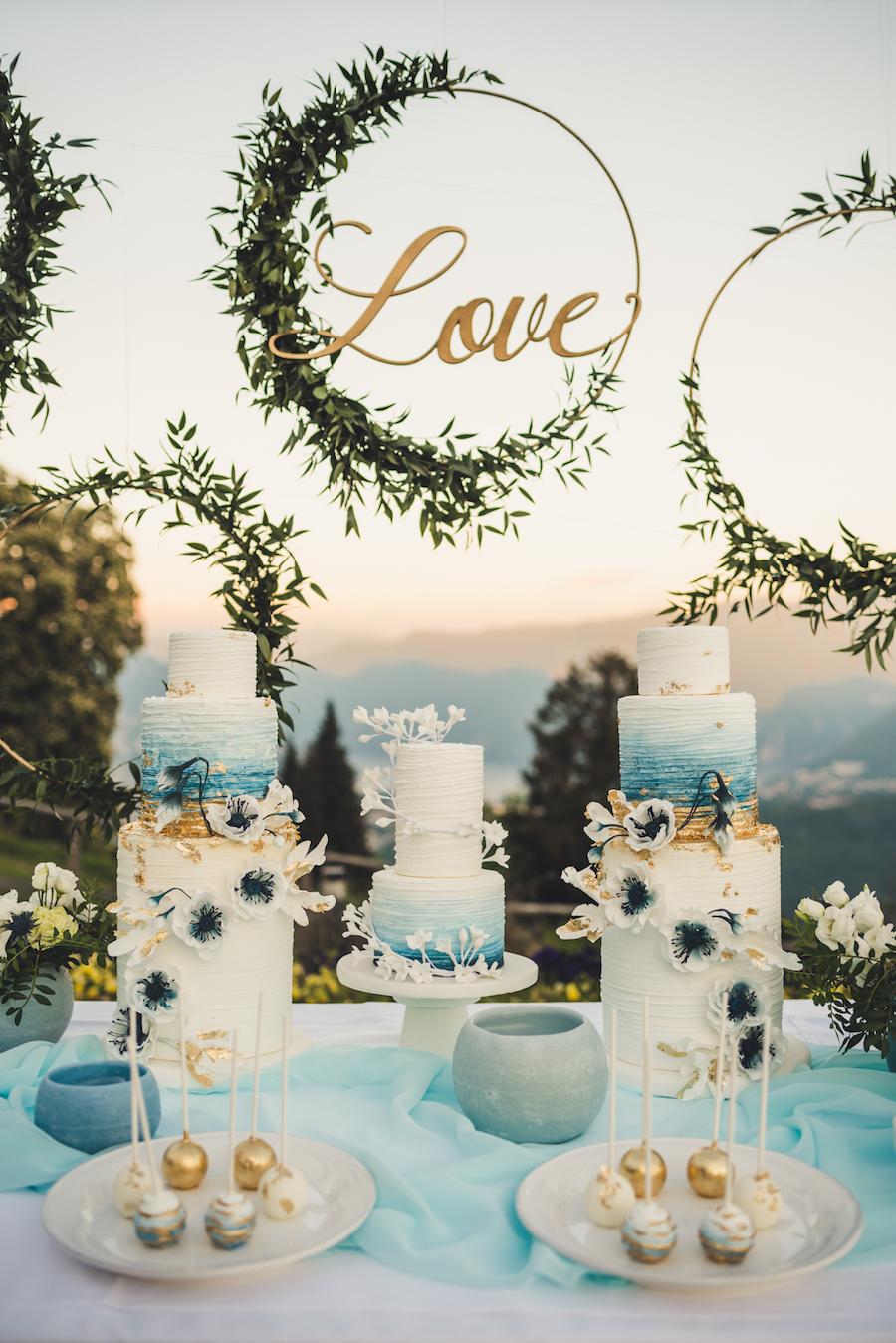 mesa dulce oro y azul