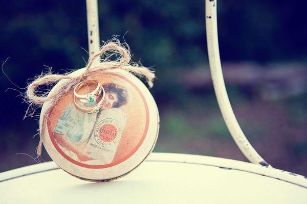 Soporte para anillo de boda vintage DIY