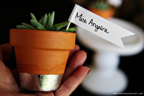 tarjeta de lugar de boda plantas suculentas