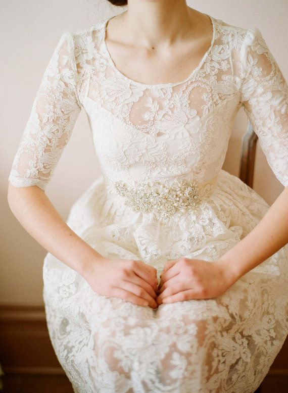 vestido de encaje. boda temática viajes