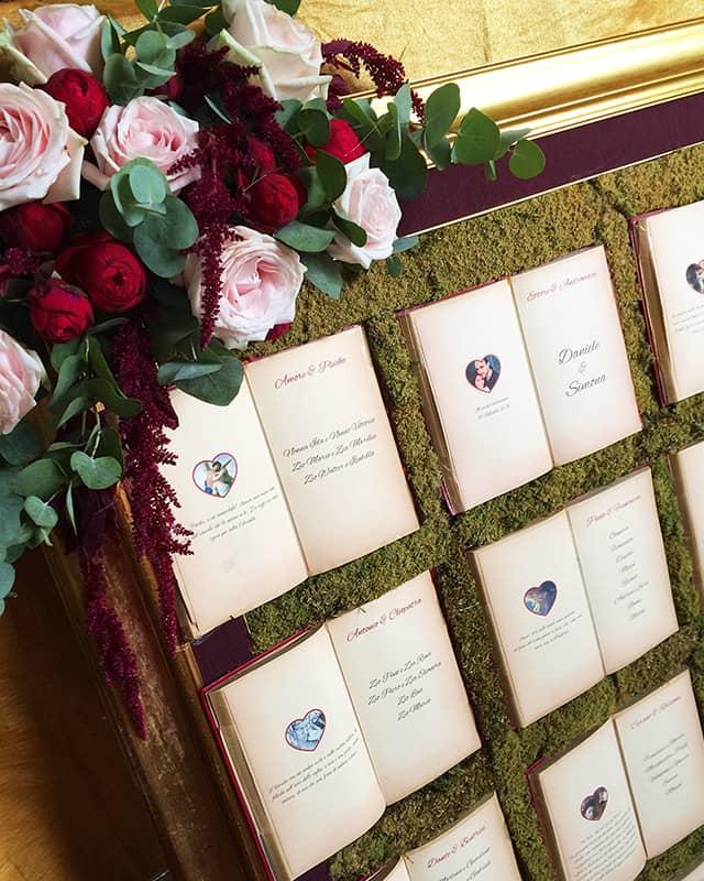 libros de boda tableau con musgo