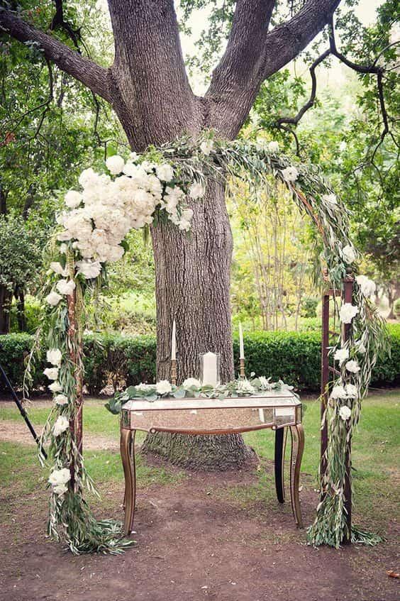 arco de boda de peonías