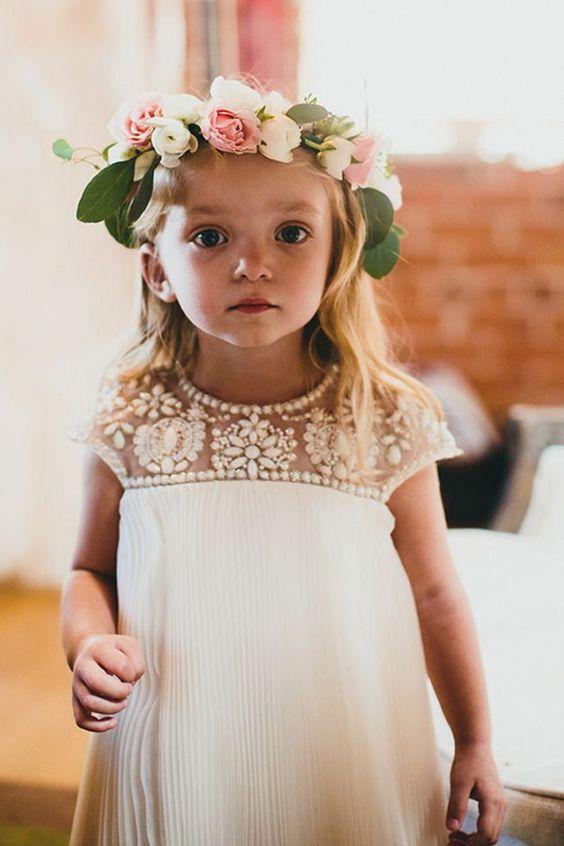 guirnalda floral de niña