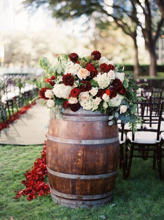 flores en un barril