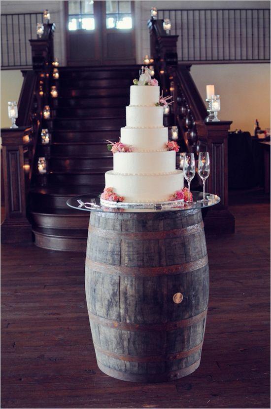 barril con pastel