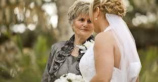 Discurso emotivo de una madre a su hija el dia de su boda